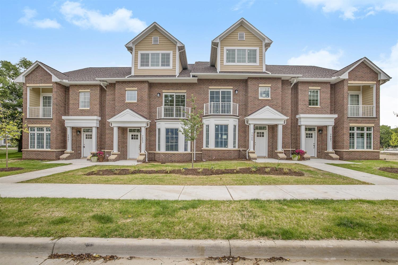 7911 Grand Street Property Photo