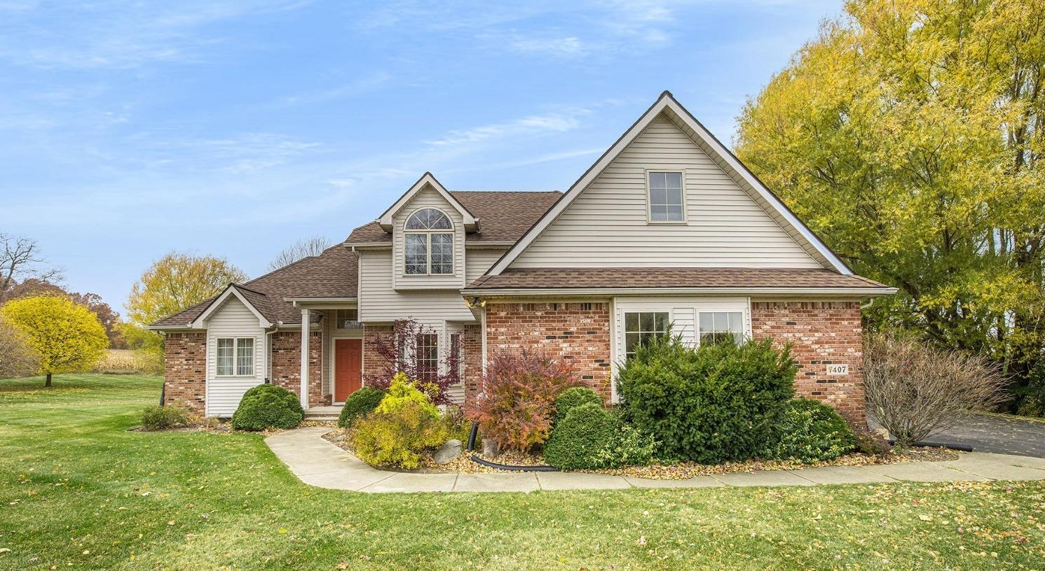 7407 Pinefield Drive Property Photo 1