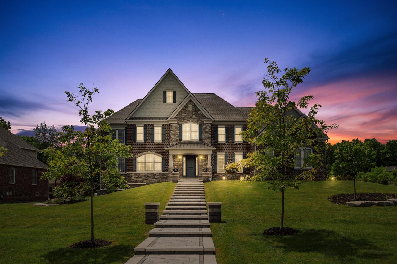 2275 Highland Drive Property Photo 1