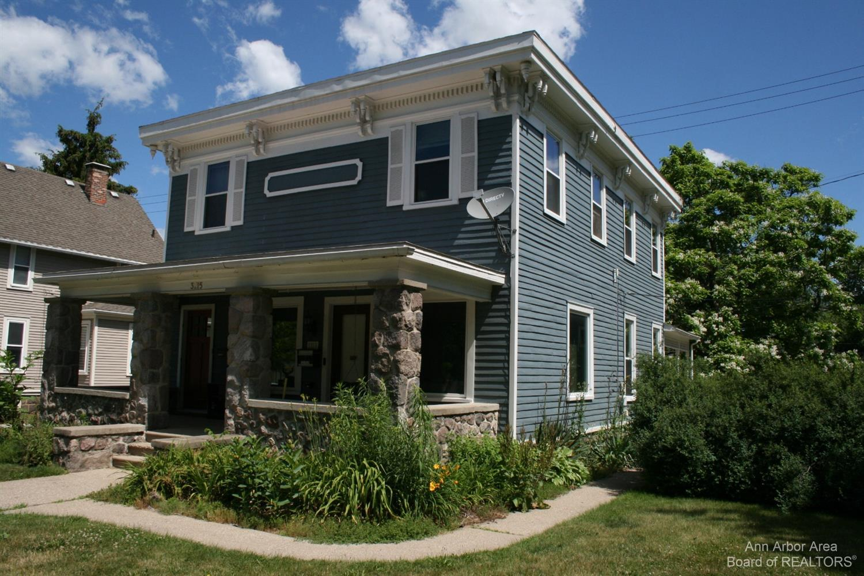 3215 Central Street Property Photo