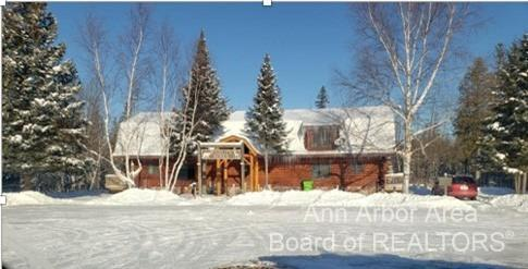 10361 S North Hulbert Road Property Photo