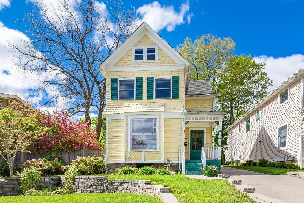 1609 Dexter Avenue Property Photo 1