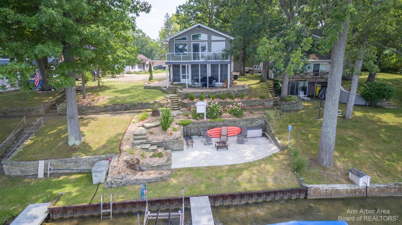 8915 Robinwood Property Photo 1