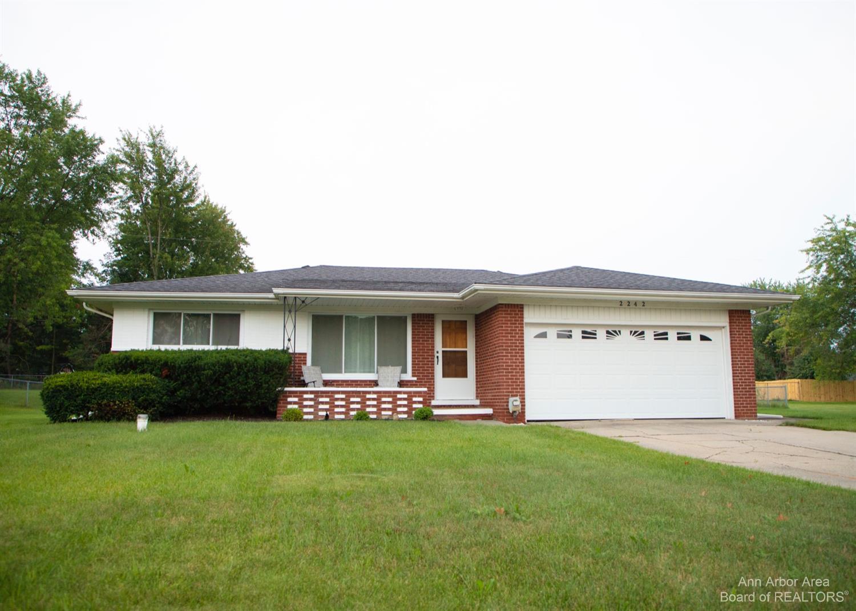 2242 Pauline Circle Property Photo