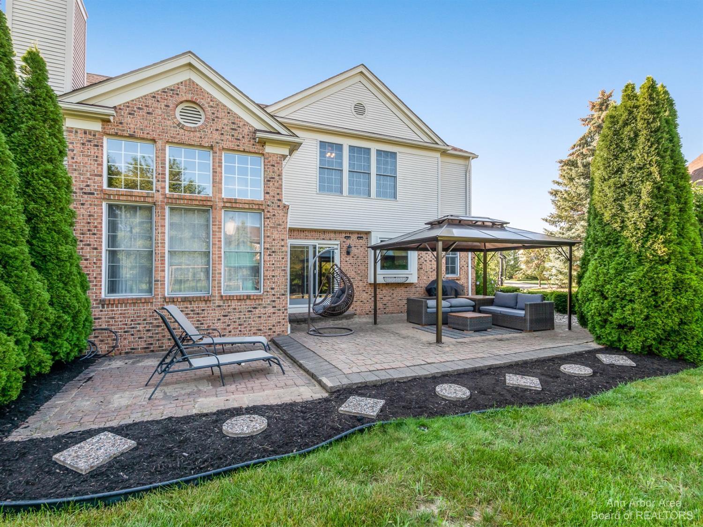 47546 Ashford Drive Property Photo 4