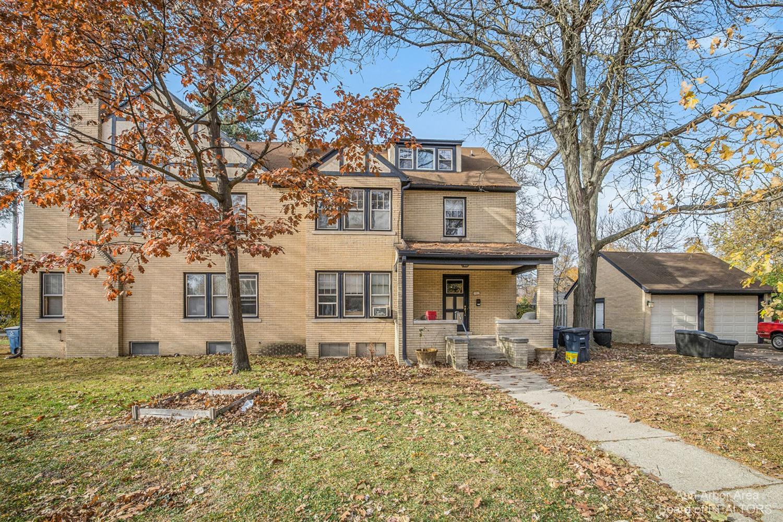 1537 Packard Street Property Photo 1