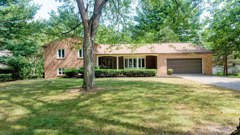 5651 Pine View Drive Property Photo 1