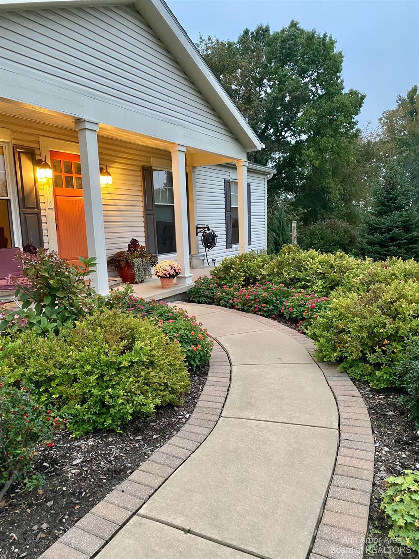 4798 Cottonwood Lane Property Photo