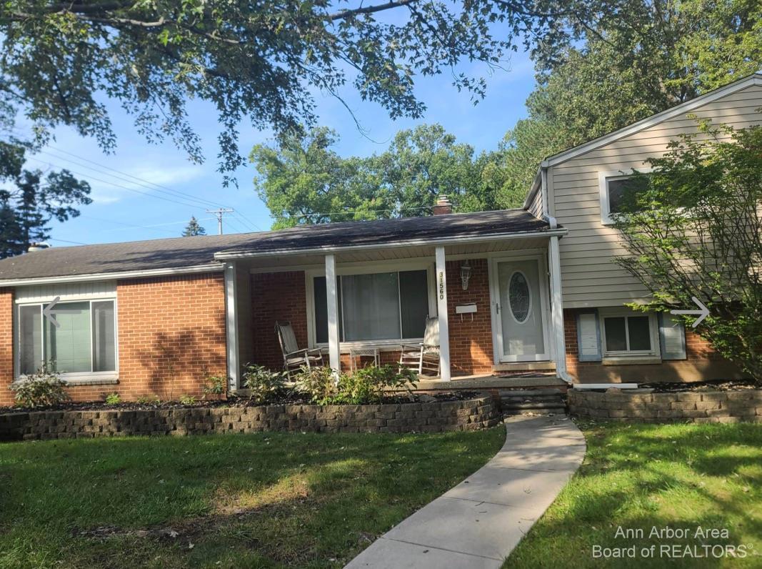 31560 Barton Street Property Photo