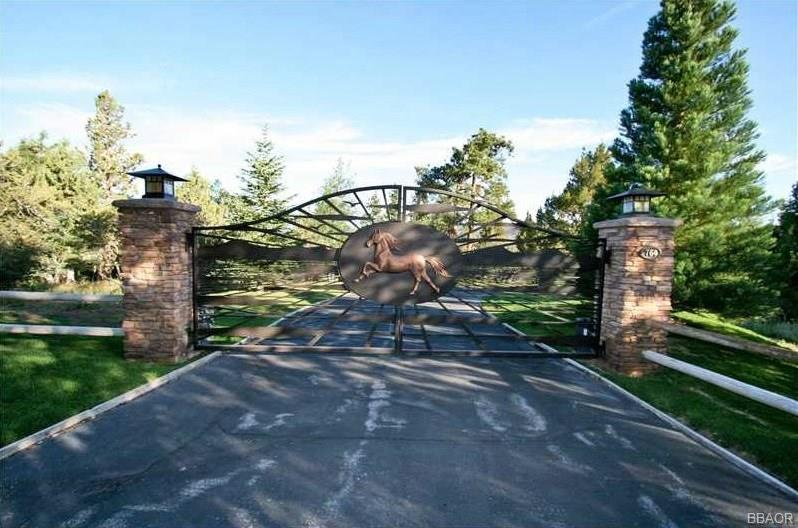 Moonridge Real Estate Listings Main Image