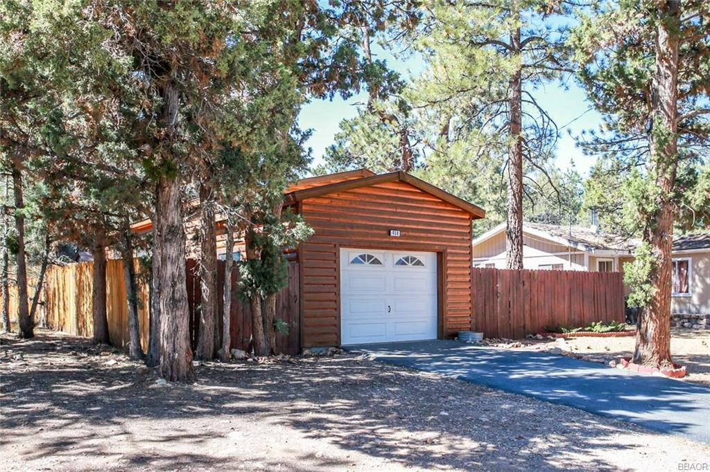 458 Maple Lane, Sugarloaf, CA 92386 - Sugarloaf, CA real estate listing