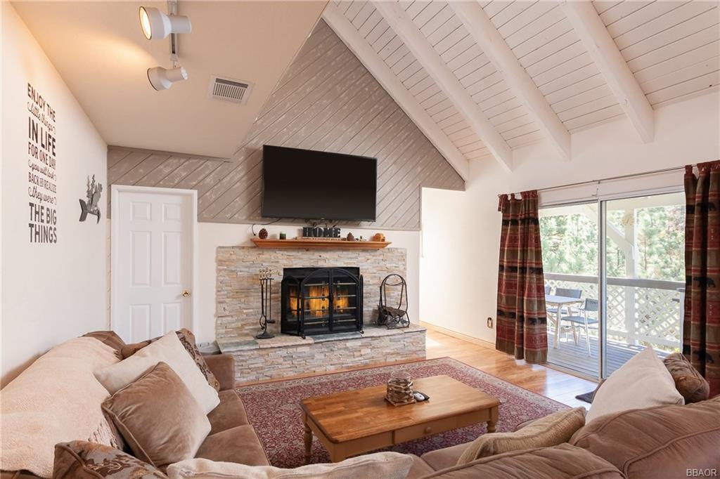 596 Villa Grove Avenue Property Photo