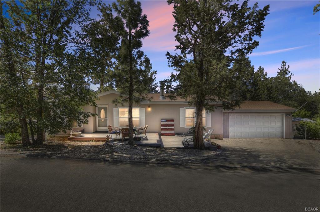 697 Highland Lane Property Photo