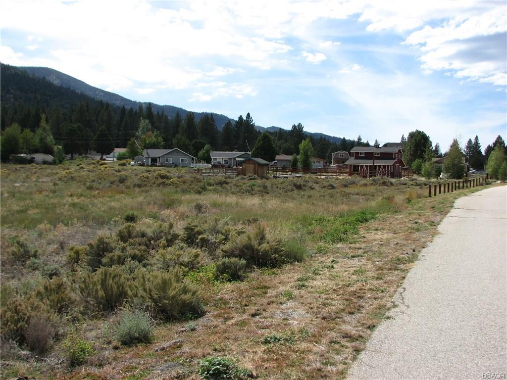 46850 Lakewood Drive Property Photo