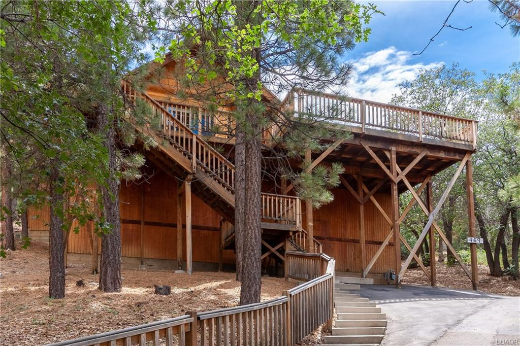 469 Villa Grove Avenue Property Photo