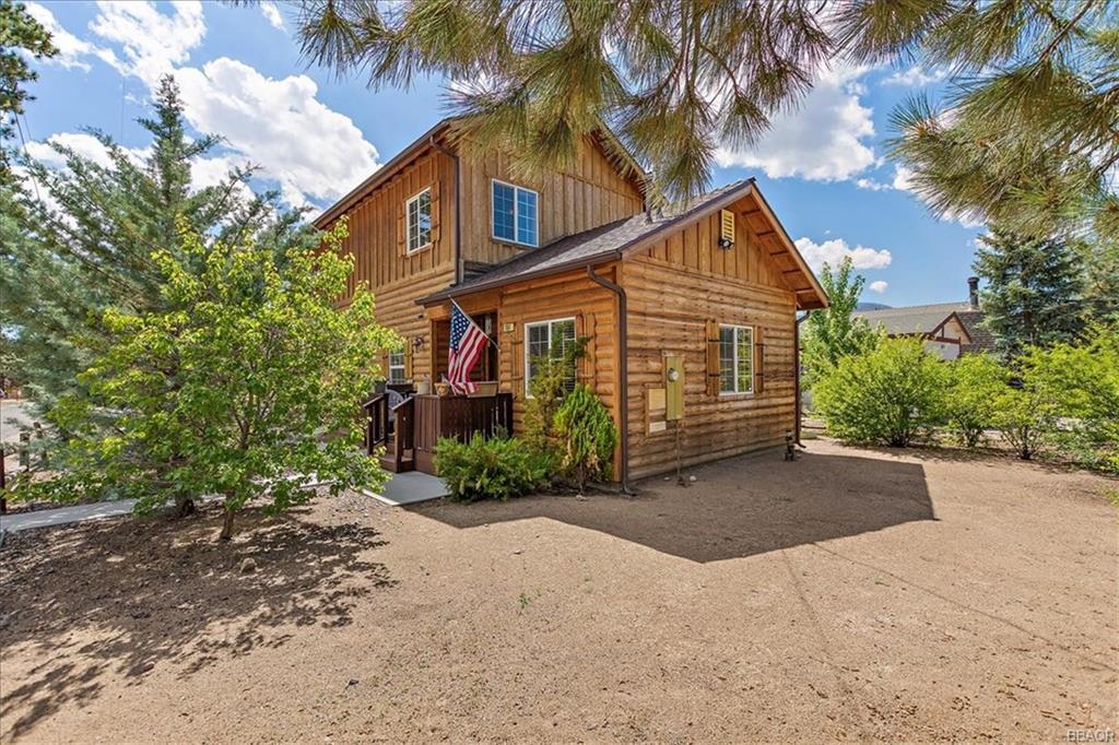 1061 Hugo Lane Property Photo