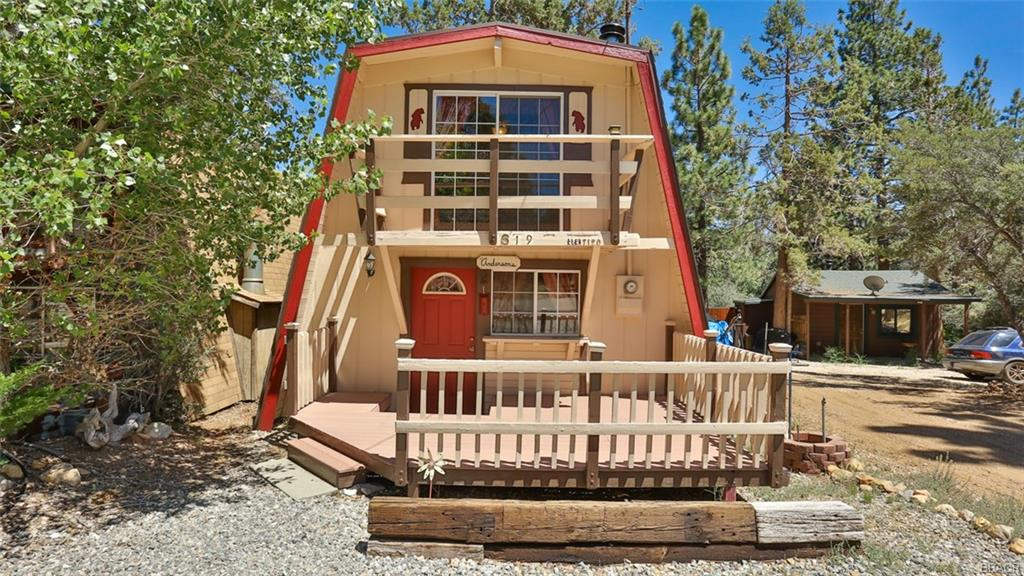 619 Wabash Lane Property Photo - Sugarloaf, CA real estate listing