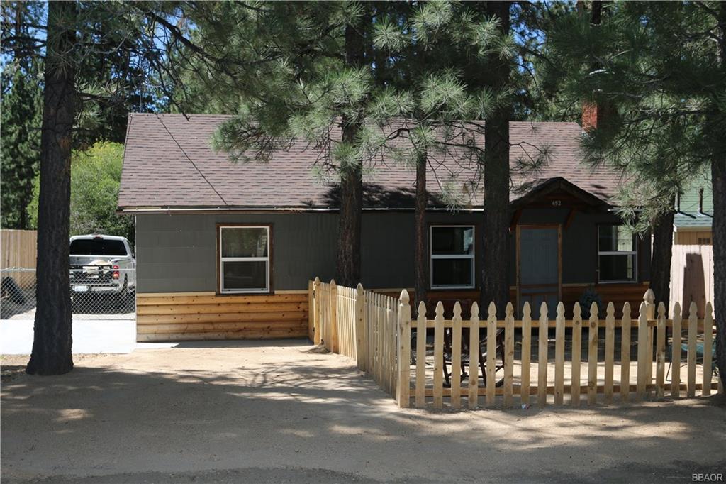 452 Eureka Drive Property Photo