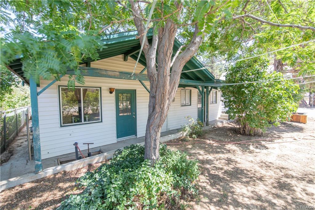 181 San Bernardino Drive Property Photo