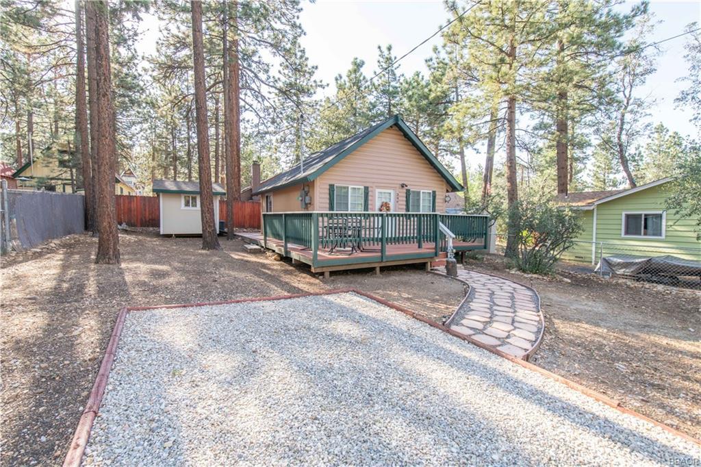 306 Victoria Lane, Sugarloaf, CA 92386 - Sugarloaf, CA real estate listing