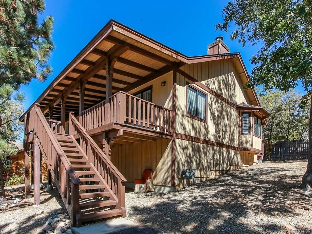 445 Villa Grove Avenue Property Photo