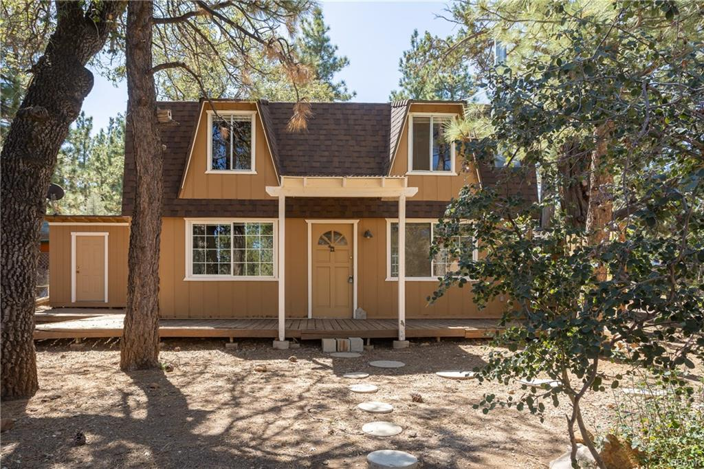 379 Santa Barbara Avenue Property Photo