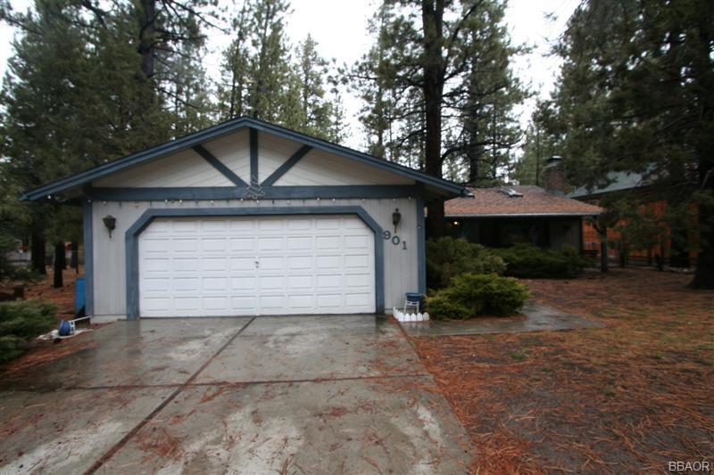 901 W Mountain Property Photo
