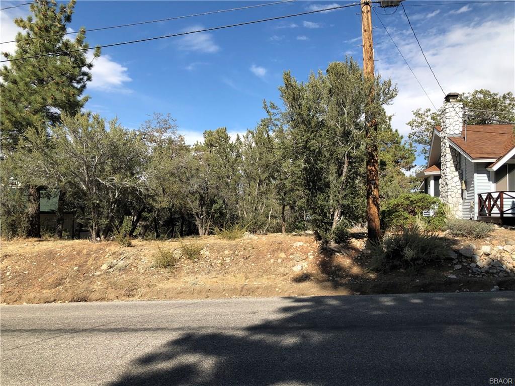 621 Villa Grove, Big Bear City, CA 92314 - Big Bear City, CA real estate listing