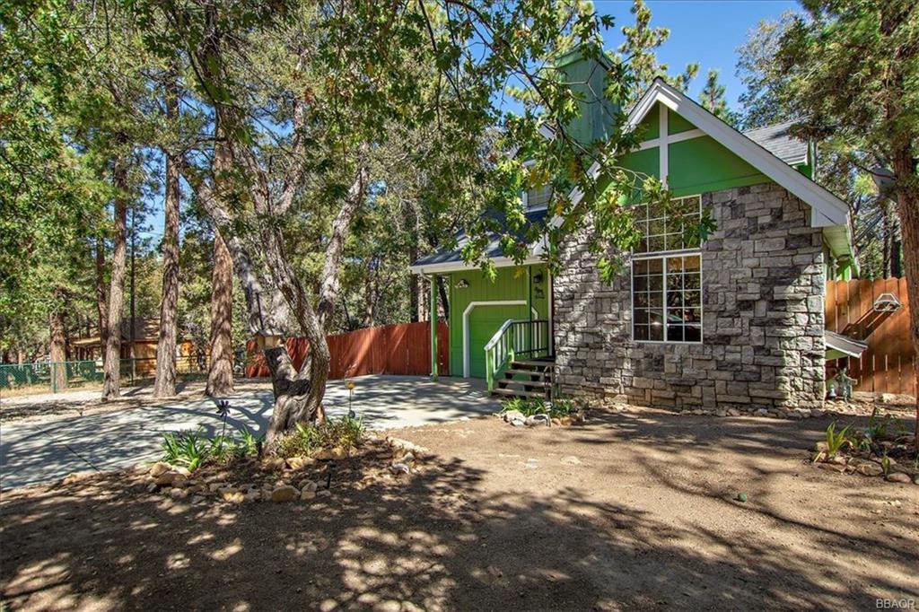 275 Highland Lane, Sugarloaf, CA 92386 - Sugarloaf, CA real estate listing