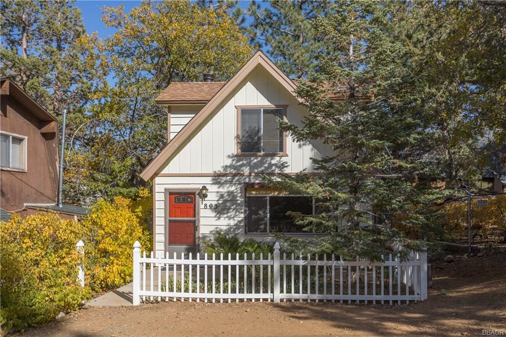 803 Vista Avenue Property Photo