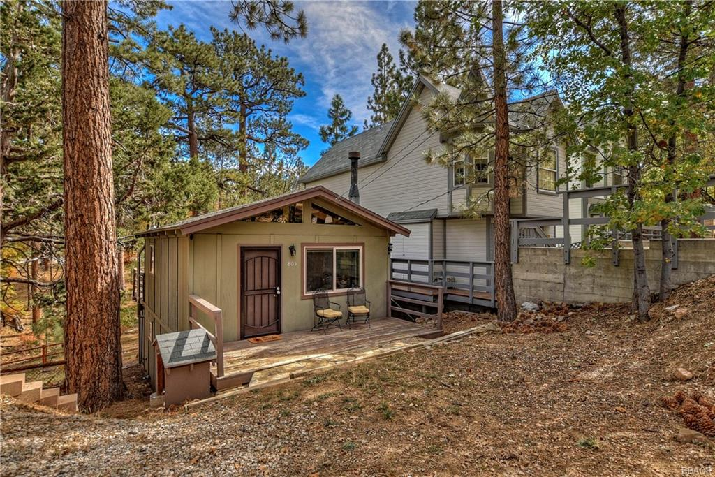 805 Santa Barbara Avenue, Sugarloaf, CA 92386 - Sugarloaf, CA real estate listing