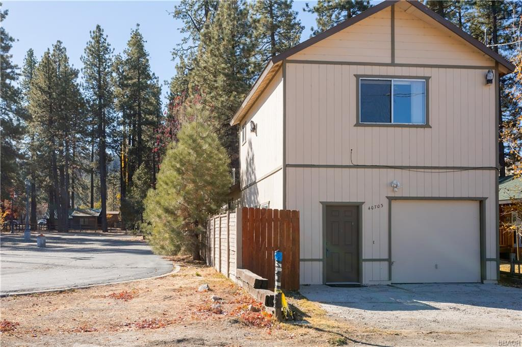 40703 Beaver Lane Property Photo