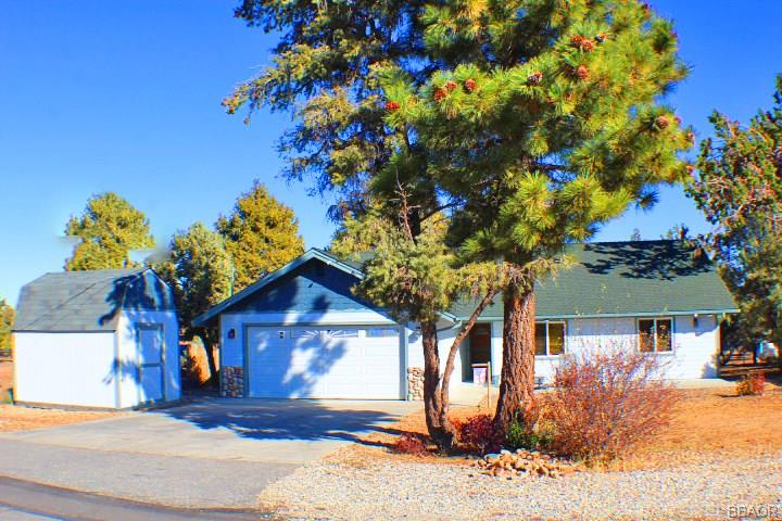 187 Dixie Lee Lane, Sugarloaf, CA 92386 - Sugarloaf, CA real estate listing