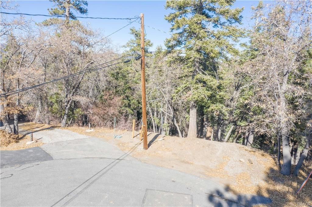 1375 Lassen Court Property Photo - Big Bear Lake, CA real estate listing