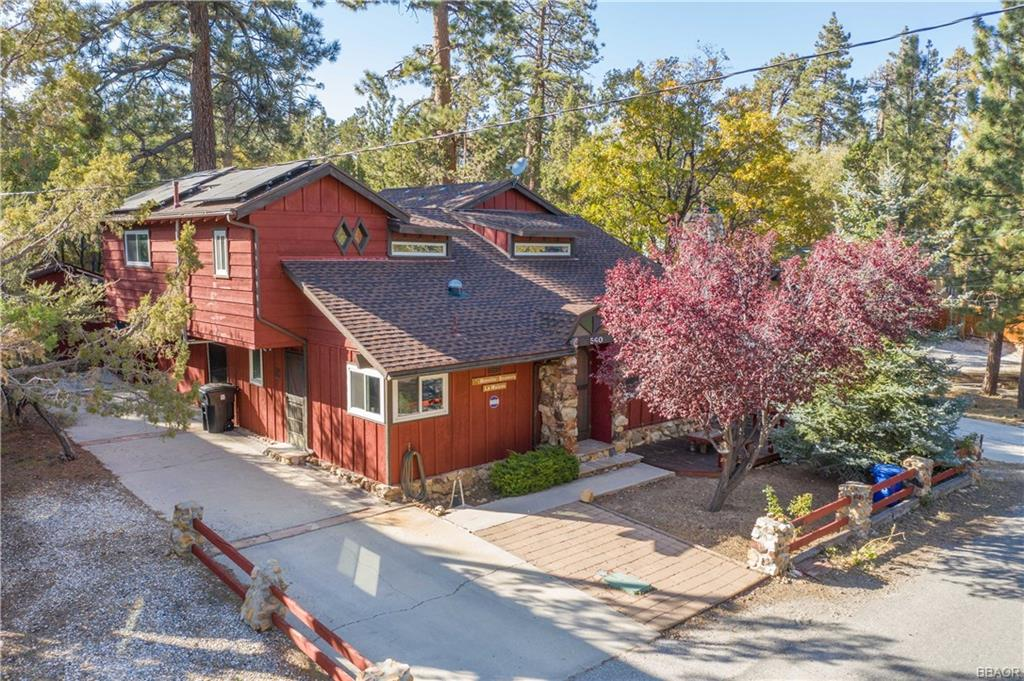 560 Victoria Lane, Sugarloaf, CA 92386 - Sugarloaf, CA real estate listing