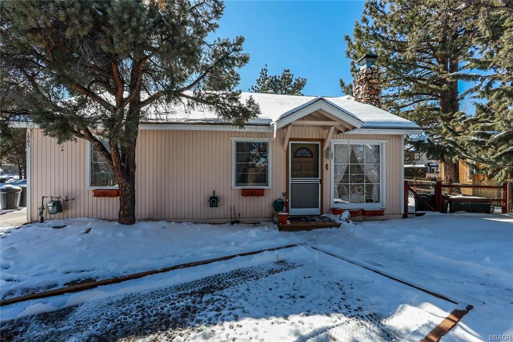 685 Villa Grove Avenue Property Photo - Big Bear City, CA real estate listing