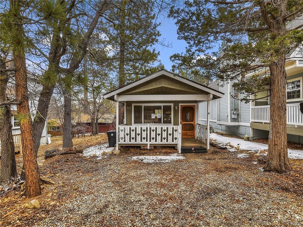 745 Cedar Lane, Sugarloaf, CA 92386 - Sugarloaf, CA real estate listing