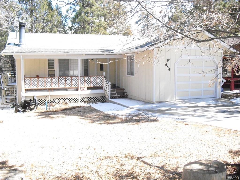 689 Highland Lane Property Photo