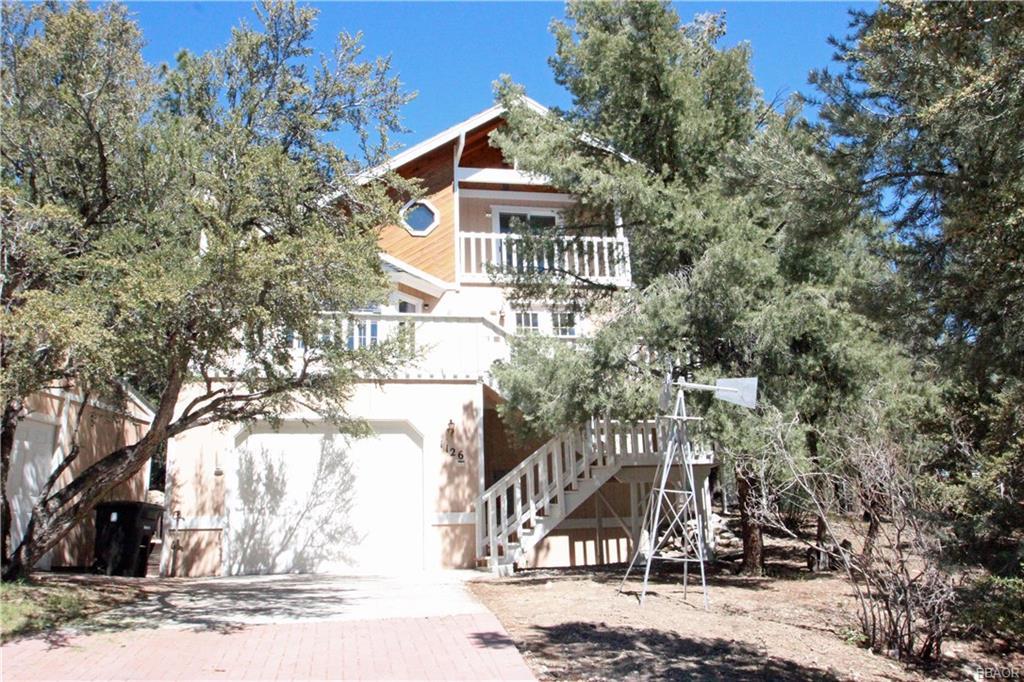 1126 Mount Shasta Road Property Photo