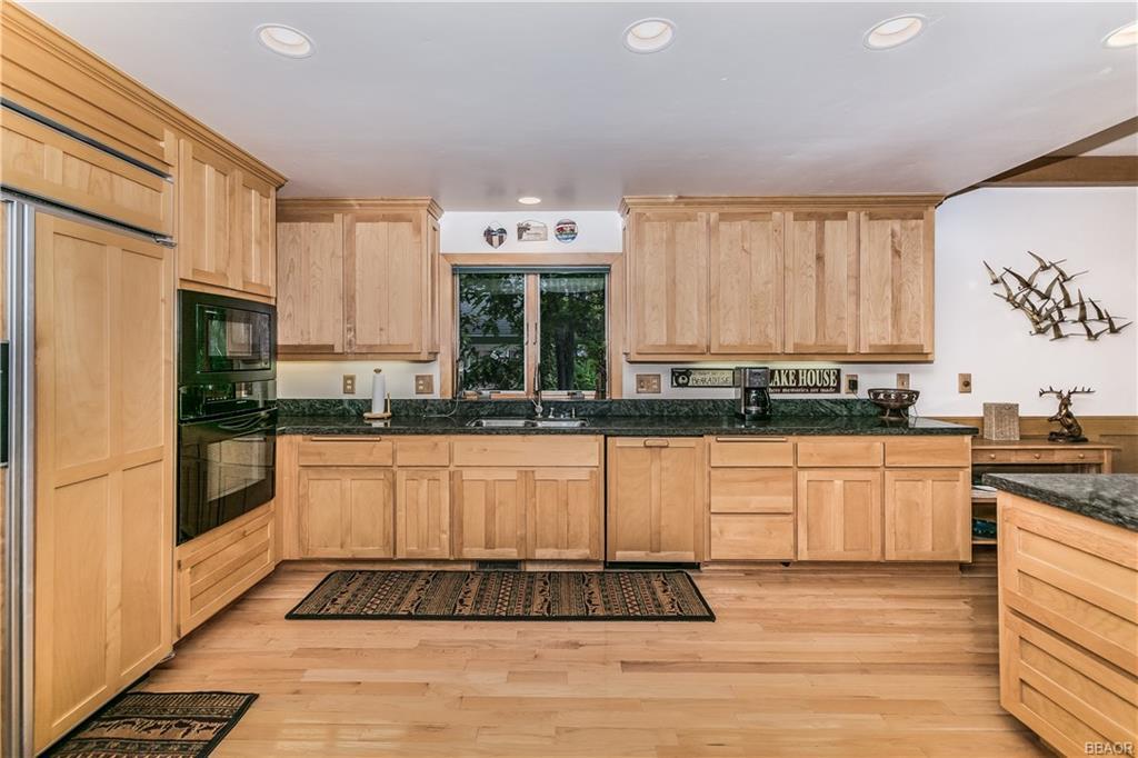 39583 Lake Drive Property Photo 14
