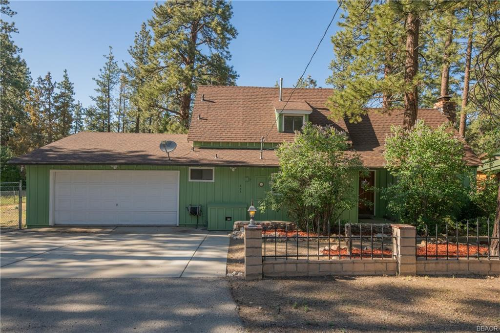 653 Booth Way Property Photo 1