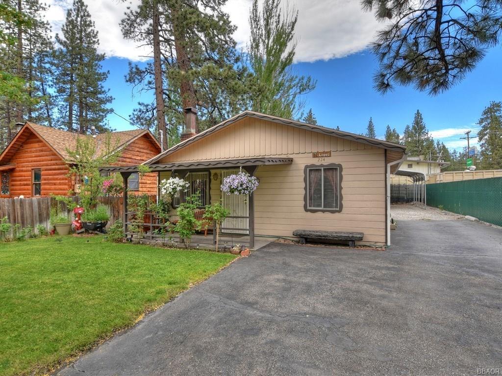 224 W Country Club Boulevard Property Photo