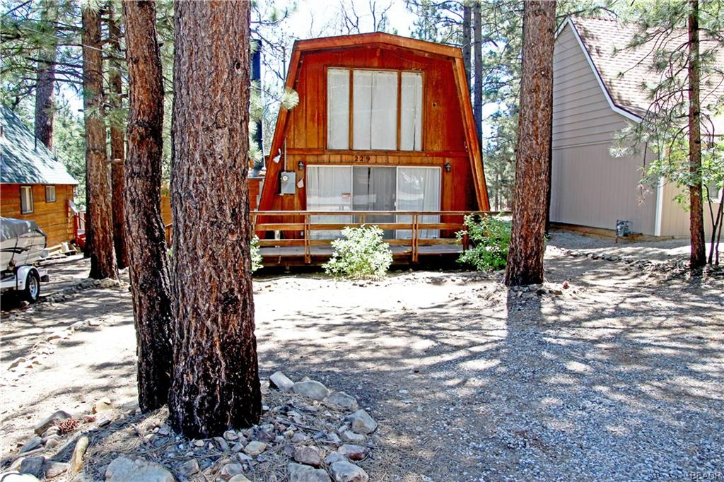 229 Pine Lane Property Photo - Sugarloaf, CA real estate listing