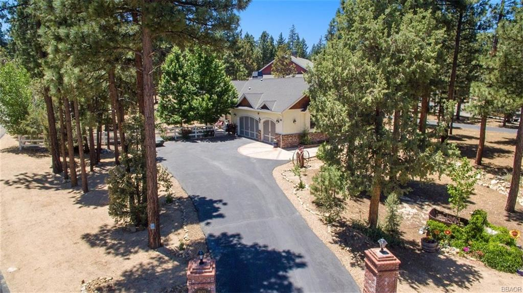 1009 Heritage Trail Property Photo - Big Bear City, CA real estate listing