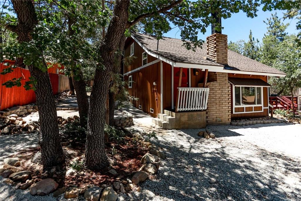 734 Pine Lane Property Photo - Sugarloaf, CA real estate listing