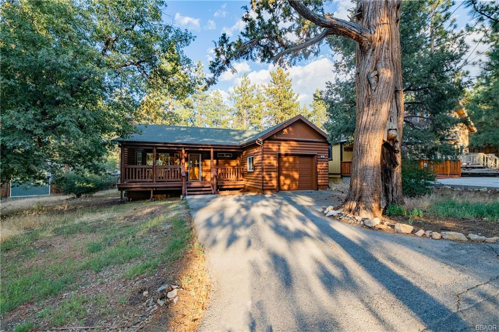 241 Highland Lane Property Photo - Sugarloaf, CA real estate listing