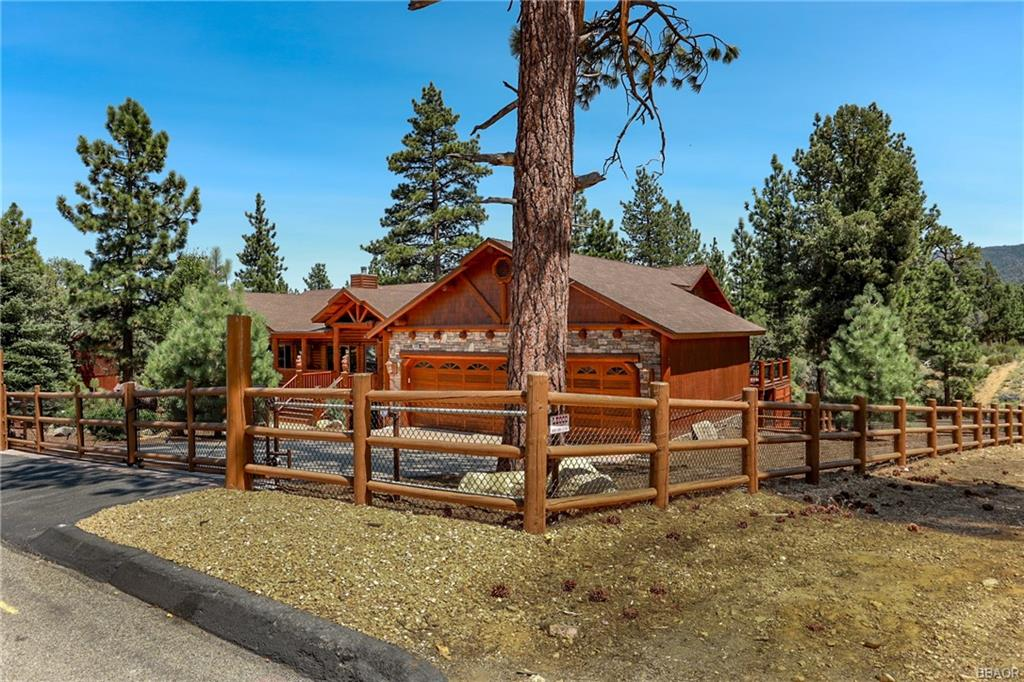 1058 Heritage Trail Property Photo - Big Bear City, CA real estate listing