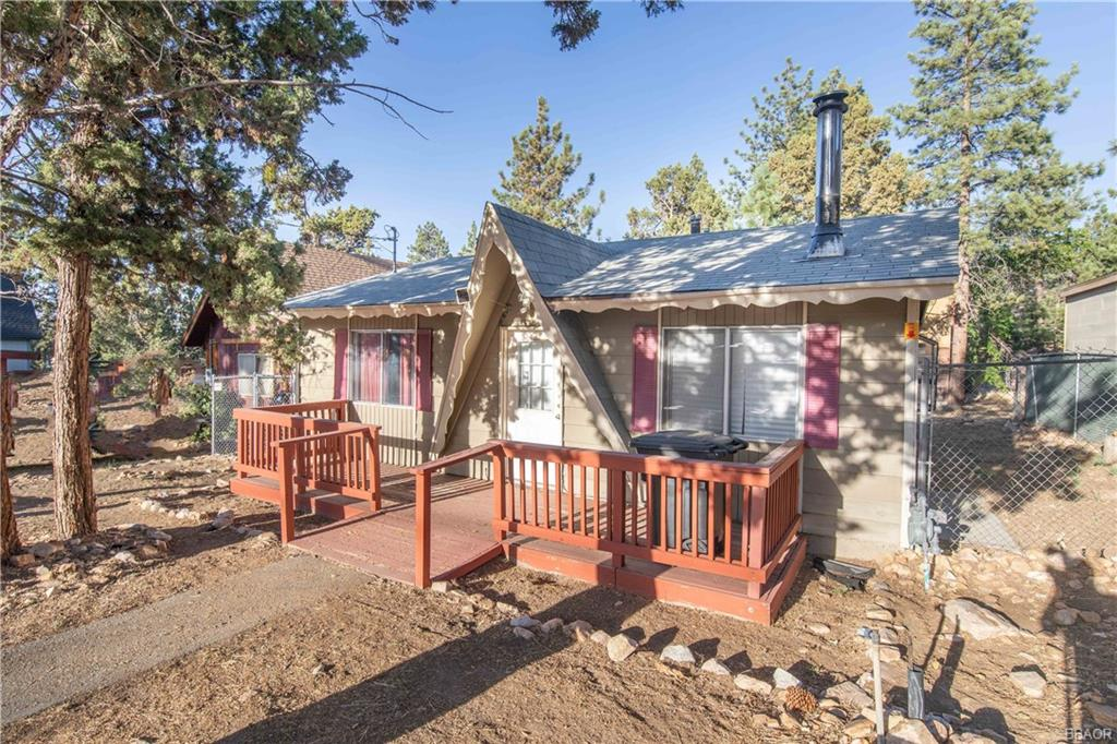 161 Maple Lane Property Photo - Sugarloaf, CA real estate listing