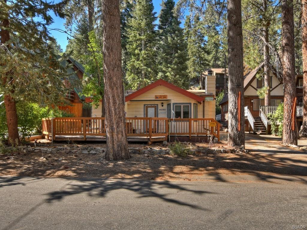 42951 Fern Avenue Property Photo