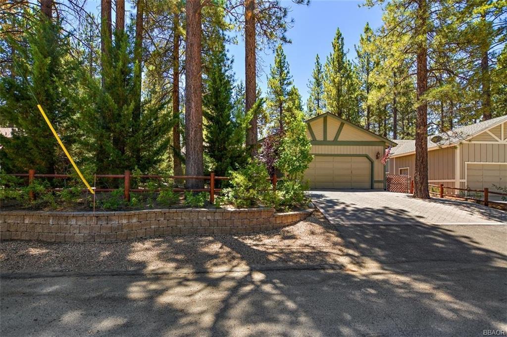 824 Mountain Lane Property Photo